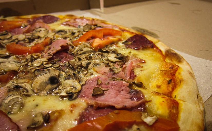 Заказ пиццы в кафе гараж купить гараж бу на вывоз