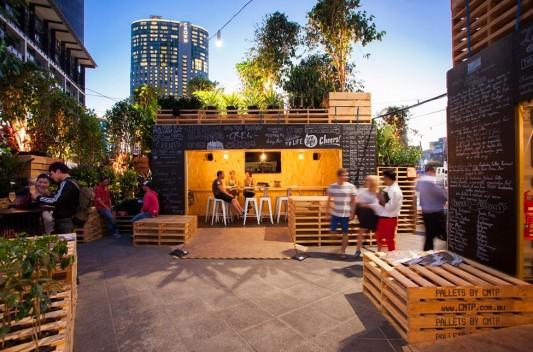 Тропическая кофейня в центре Мельбурна