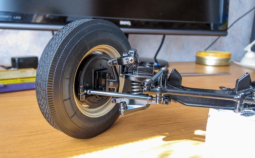 Модель автомобиля ГАЗ-М-20 «Победа» (№4): Передняя подвеска