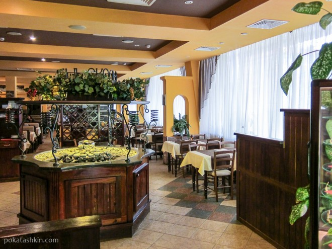 Ресторан «Итальянская кухня»: зал для курящих