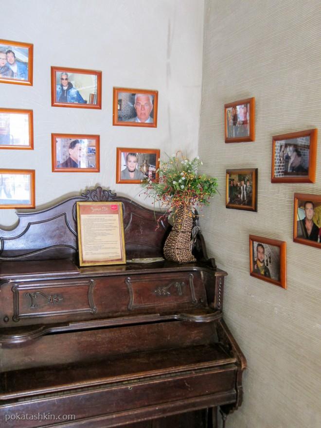 Фотографии в холле ресторана «Золотой лев» (Витебск)