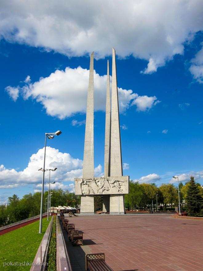 """Мемориальный комплекс """"Три штыка"""", Витебск"""