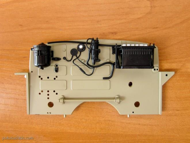 Модель автомобиля М20 «Победа» (№27): Монтаж агрегатов и электропроводки
