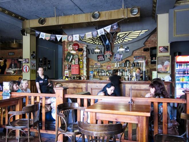 Интерьер пивного ресторана «York Pub» / «Йорк Паб» (Мозырь)