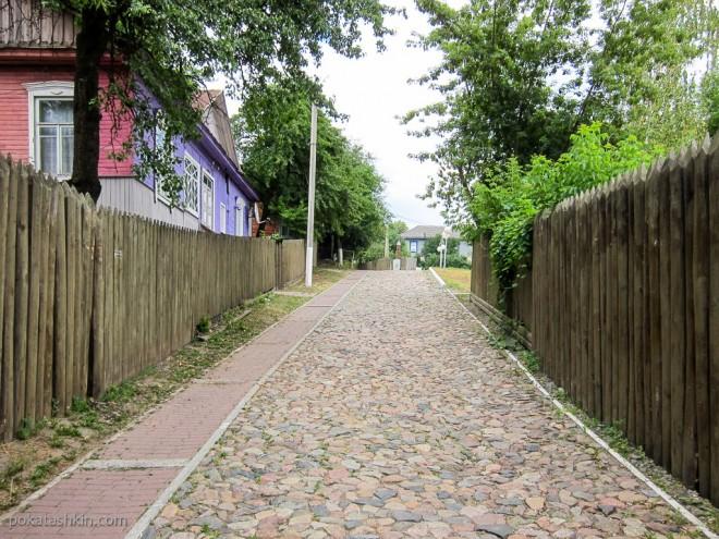 Улица по которой можно попасть в Мозырский замок