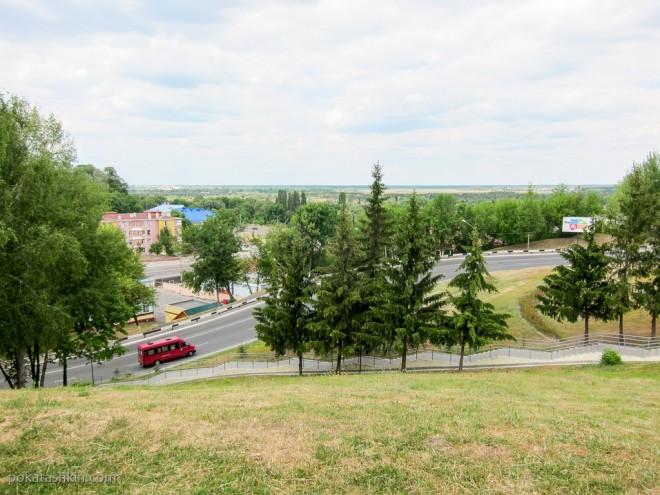 Вид с площадки возде самолёта-памятника МиГ-17, Мозырь