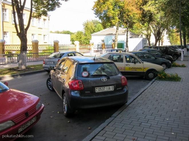 Я паркуюсь, как хочу: новичкам везде у нас почёт (серия №16)