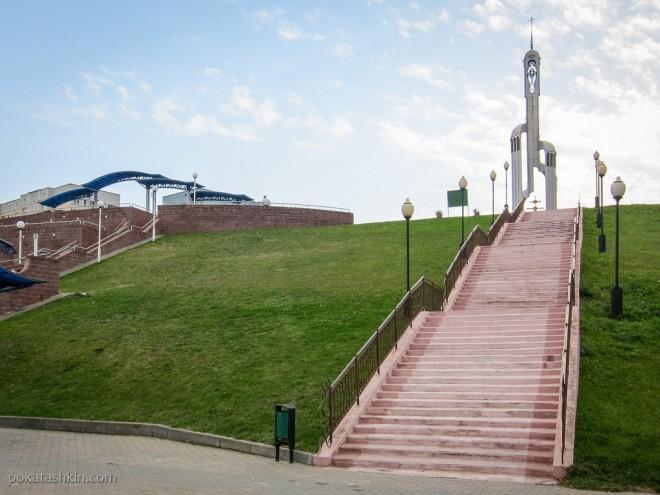 Лестница на набережную Речицы