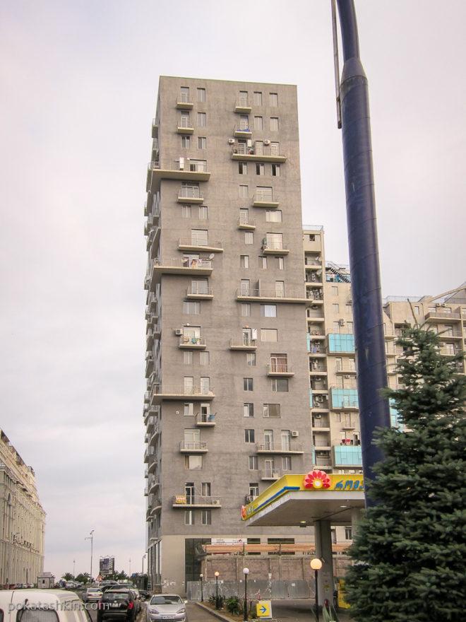 Батуми. Смешные балкончики