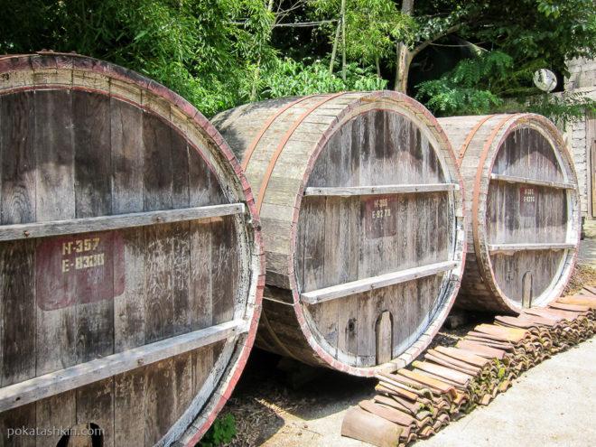 Бочки в Аджарском доме вина