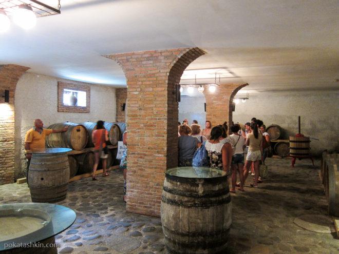 Подвал в Аджарском доме вина
