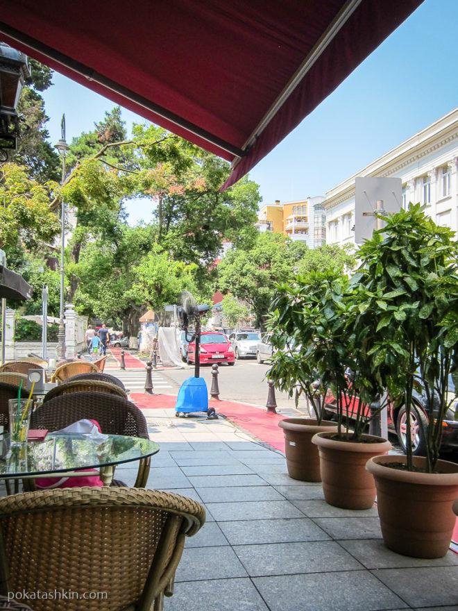 Летняя терраса кафе «Привет из Батума» (Батуми)