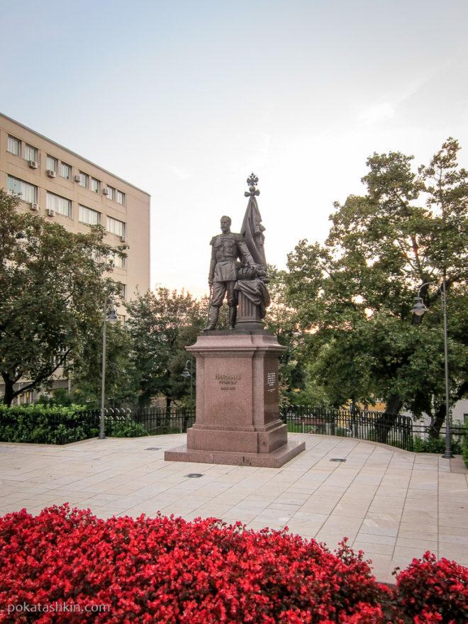 Памятник Николаю II