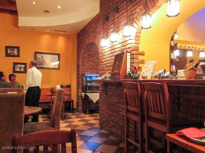 Ночное кафе в Белграде
