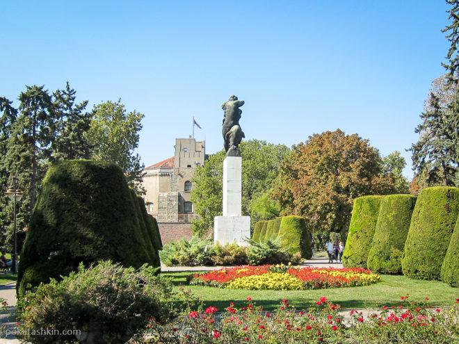 Памятник Благодарности Франции в парке Калемегдан