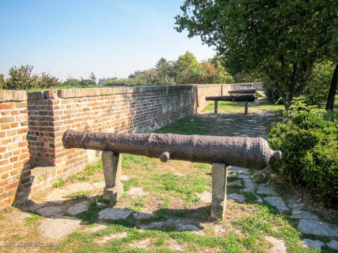 Пушки в Белградской крепости