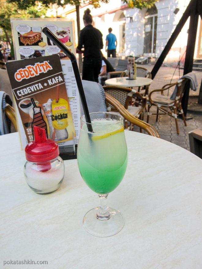 Напиток с лимоном и мятой