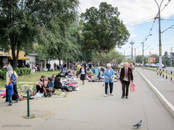 Уличная торговля в Белграде