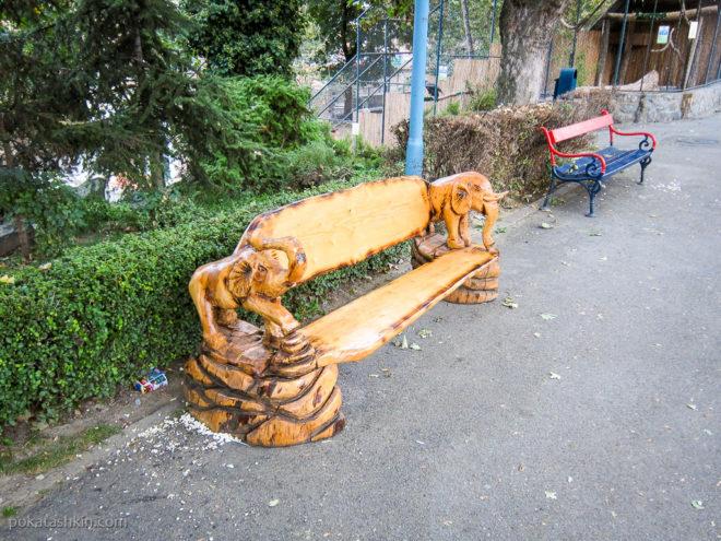 Деоративня лавочка со слонами