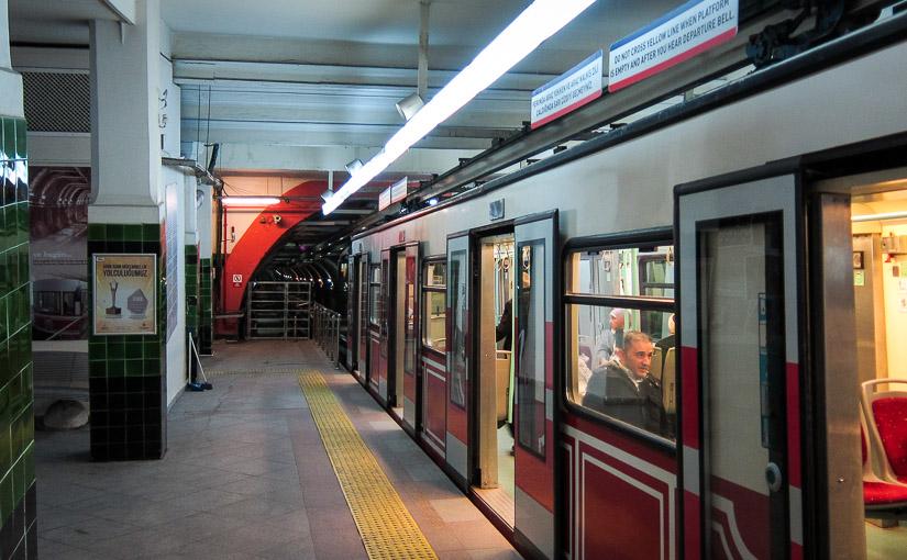 Стамбул. День 2. Подземный фуникулёр Тюнель (Tünel)