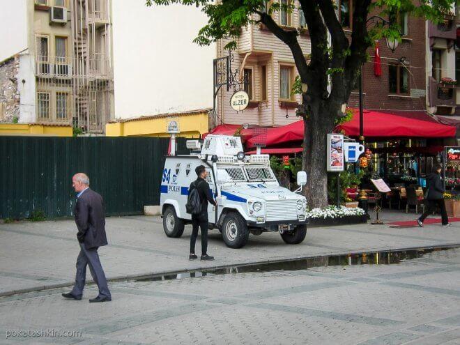 Автомобиль стамбульской полиции