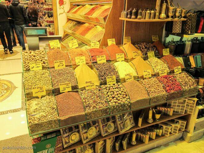 Выбор чая на Египетском базаре