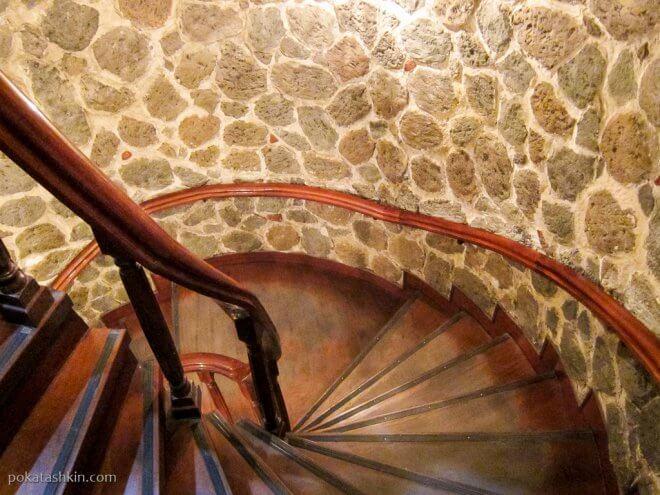 Винтовая лестница в Галатской башне