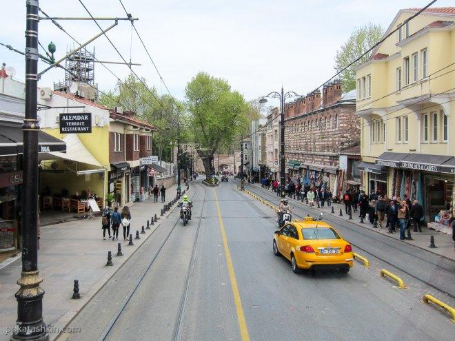 Улица Алемдар