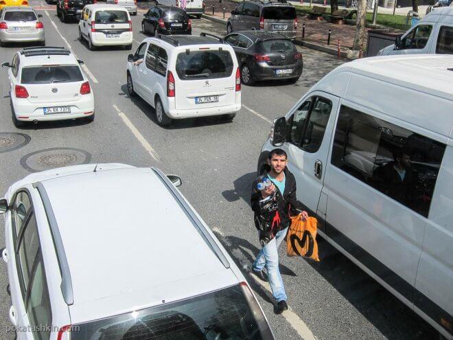 Продавцы на дорогах Стамбула