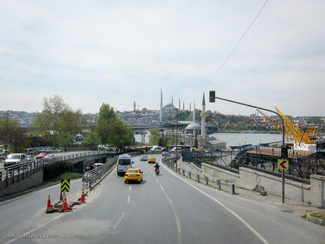 Въезд на мост Ататюрка