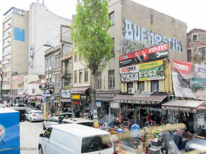 Строительный рынок в Стамбуле