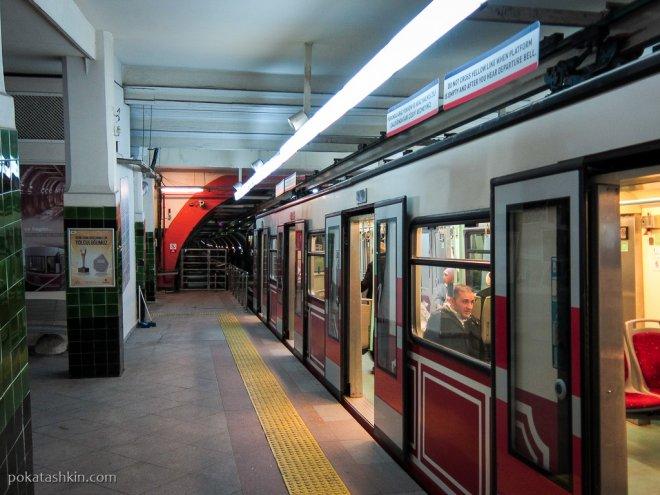 Подземный фуникулёр в Стамбуле