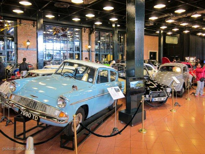 Коллекция автомобилей в музее Рахми Коча