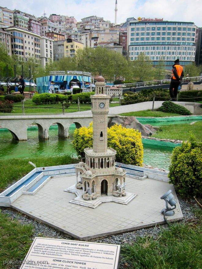 Часовая башня в городе Измит