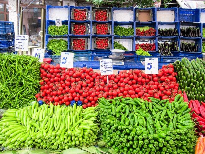 Овощи на стамбульском рынке