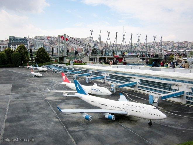 Самолёты в аэропорту имени Ататюрка