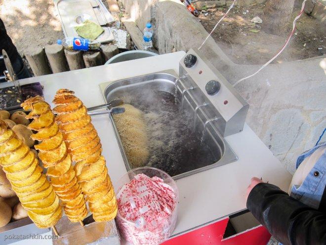 Приготовление картошки-фри по-турецки