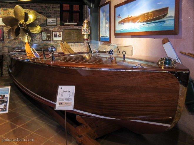 Лодка Barakuda