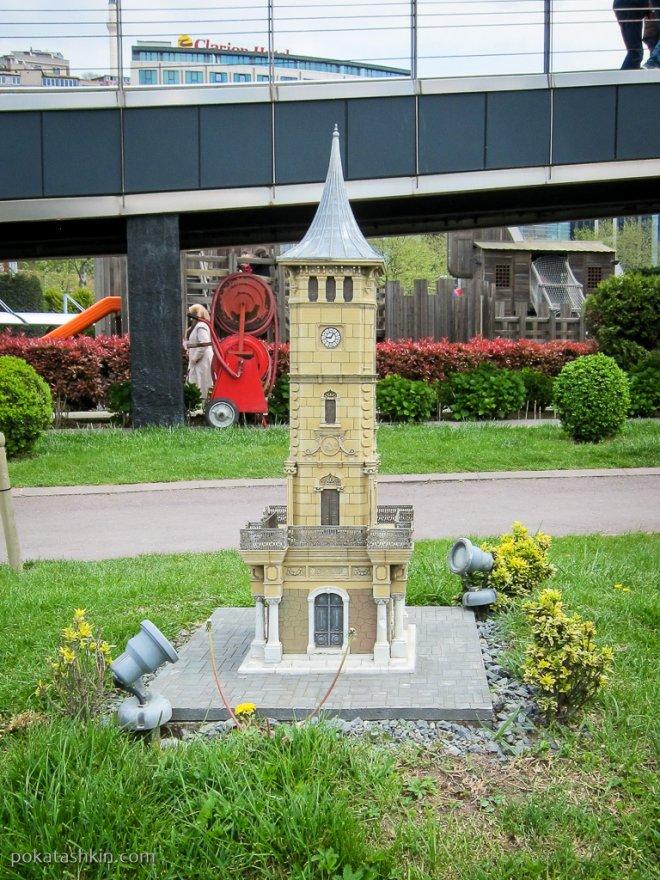 Часовая башня в Измите