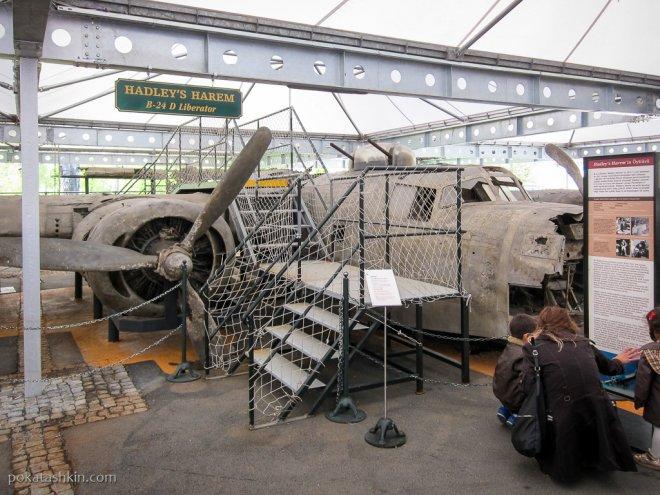 "B-24 Liberator ""Hadley's Harem"""