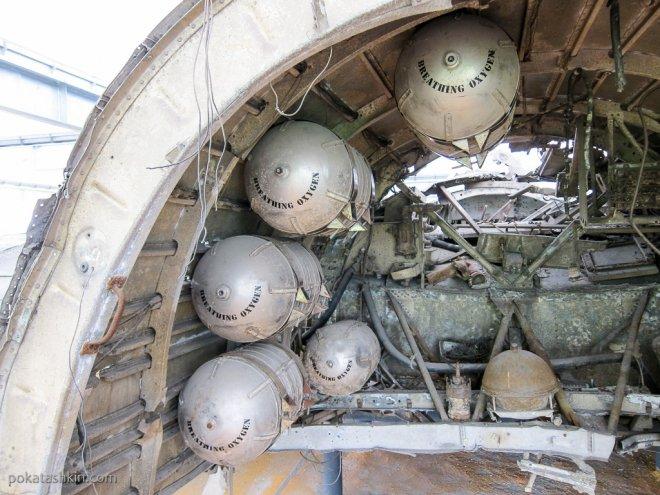 "Кислородные баллоны B-24 Liberator ""Hadley's Harem"""