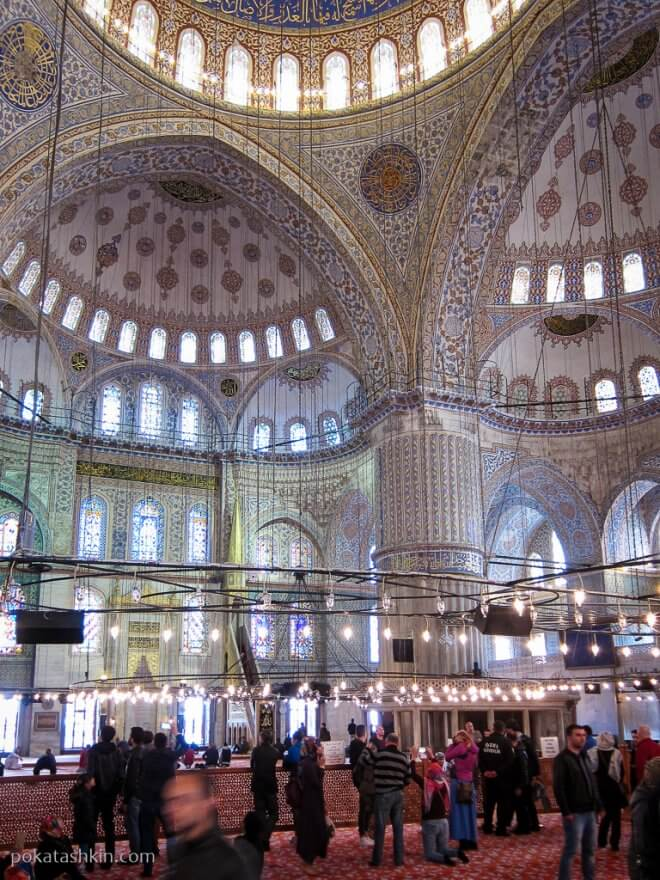 Интерьер Голубой мечети (Мечеть Султанахмет)
