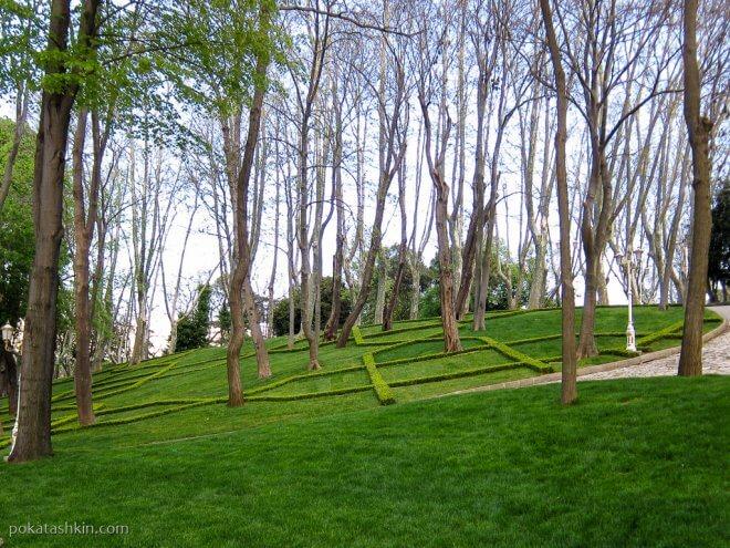 Лужайки в парке Гюльхане (Gülhane Parki)
