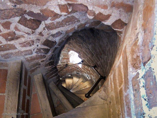 Лестницы Мирского замка