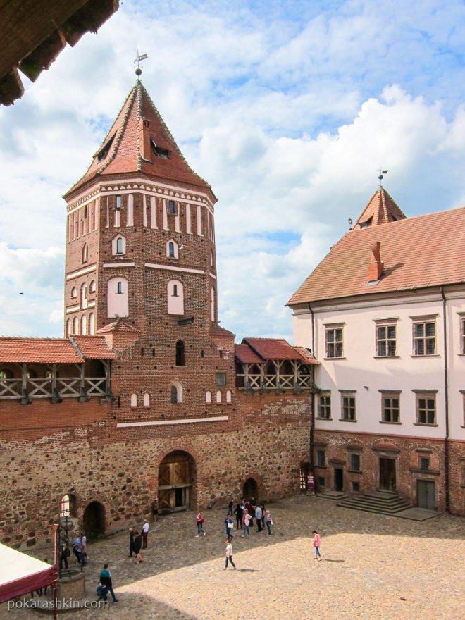 Мирский замок. Башня.