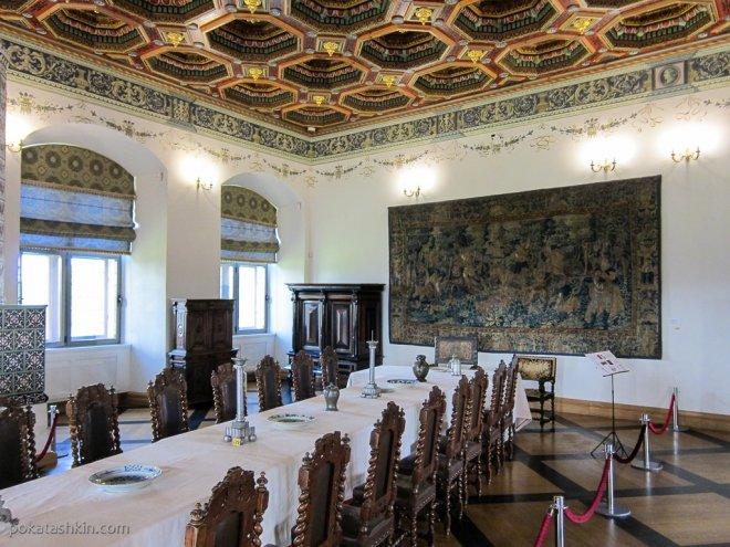 Мирский замок. Обеденный зал.