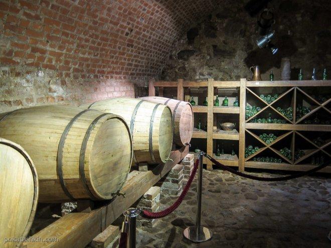 Бочки с вином в Мирском замке