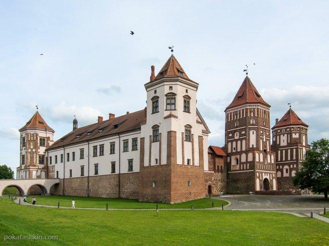 Следы реставрации Мирского замка