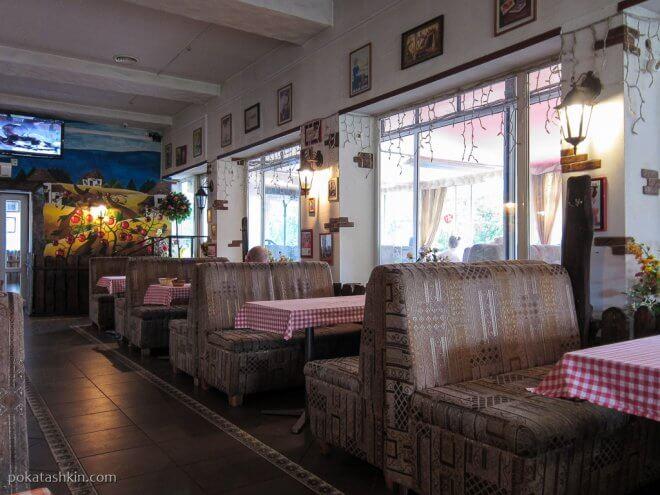 Интерьер кафе «Эль Помидоро», ул. Максима Богдановича, 102 (Минск)