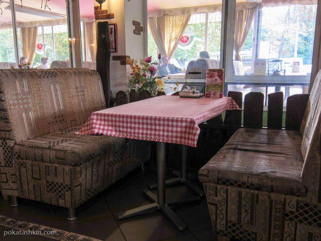 Столики в кафе «Эль Помидоро», ул. Максима Богдановича, 102 (Минск)